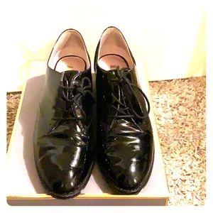 Louise et Cie black patent leather oxfords